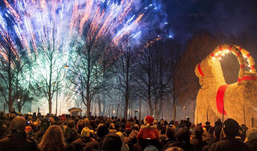 3 Tradisi Natal Paling Unik di Dunia